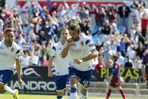 Luis García celebra el gol de la victoria